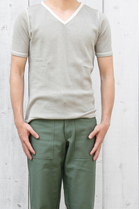 colony_vneck_i